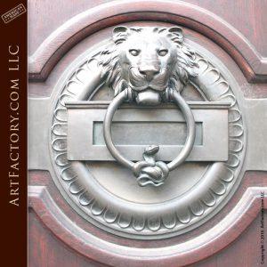 Iron Lions Head Knocker