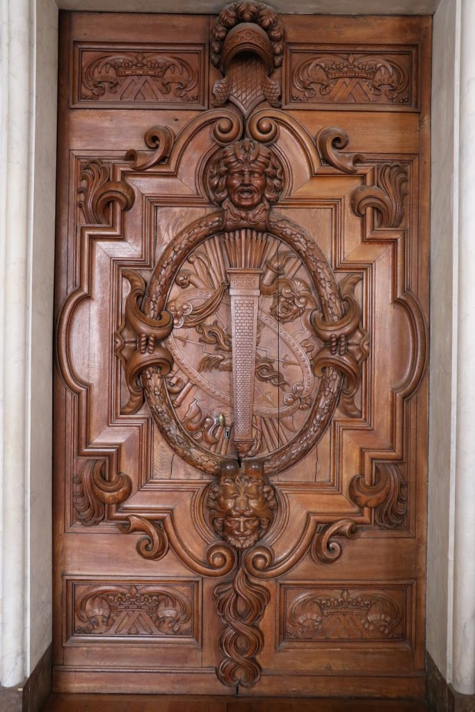 Chateau de Fontainebleau Doors