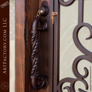 double twist c-shaped door handle
