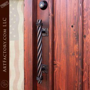Vertical Panel Door with Twist Pull Hardware