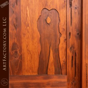 hand carved embracing couple