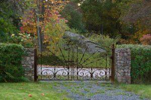 Iron Gate - Casa Loma 1911 Ontario Canada  -  8503GG